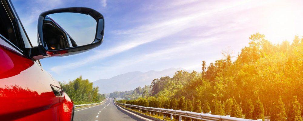 10 ejercicios para hacer en viajes largos en coche