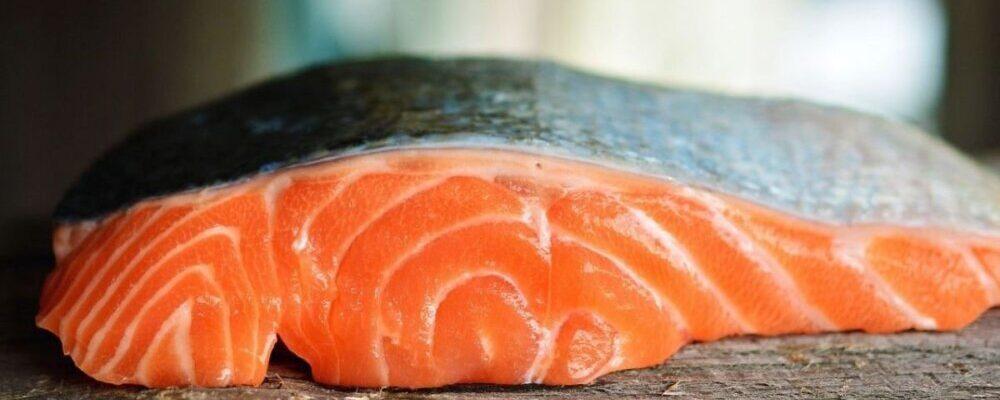 Beneficios del salmón para el deportista profesional