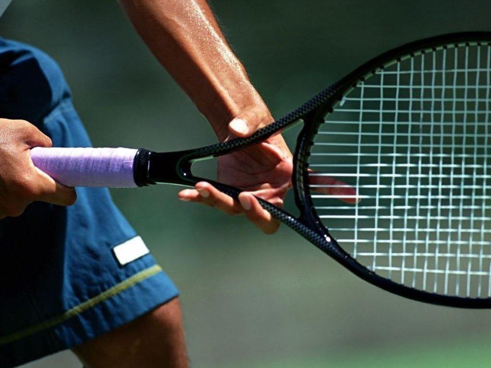 Cómo elegir la mejor raqueta de tenis